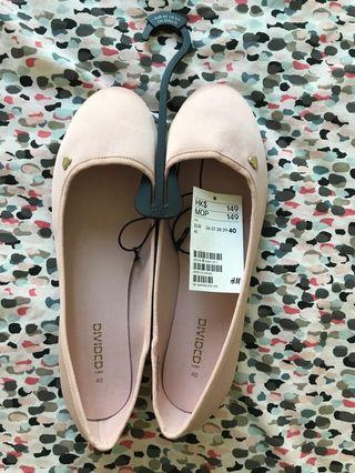 Size 40 pink flats