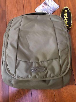 🚚 Pacsafe anti-Thef shoulder bag