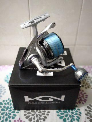 Kcn 8000 surf reel shallow spool. Seahawk aluminum round knob. Wihout line.  Used twice bought on impulse.