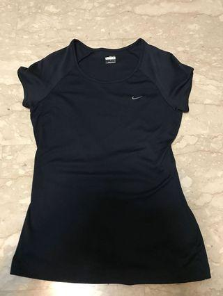 🚚 Nike female sport wear