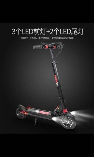 🚚 《潮流最前線》  Zeron8電動滑板車
