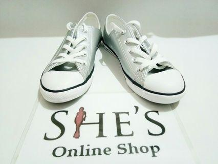 Converse womens new orig