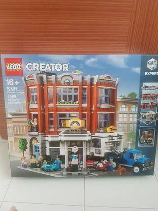 Lego 10264 Car garage