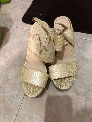 Sandals pumps  size 37 new