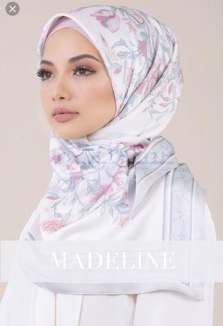 Fleur by Neelofa in Madeline