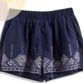 QUEEN SHOP - 下襬繡花腰鬆褲裙(藍色) #滄海遺珠 #sellitnow #MTRst