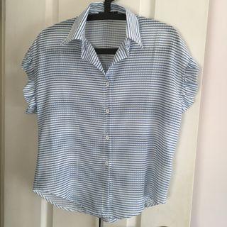 QUEEN SHOP - 透膚條紋荷葉袖襯衫 (淺藍色+白色) #滄海遺珠 #sellitnow #MTRst