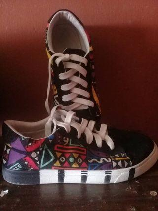 Angle sneakers