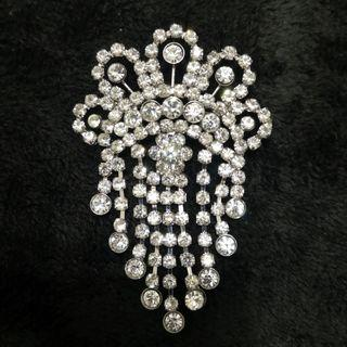 🆕媽媽母親節 生日禮物 閃石心口針 Mother's Day birthday gift Rhinestone scarf cape pin brooch