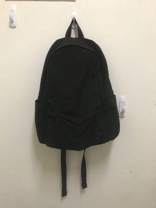 🚚 無印良品 黑色後背包