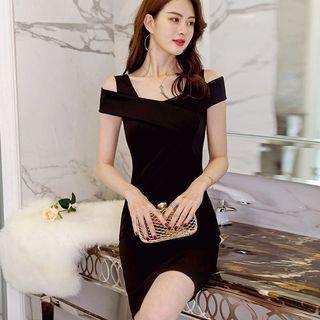 #194 (2 COLOURS) black / red ulzzang off shoulder formal dress