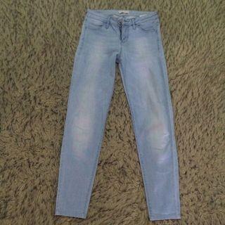 UNIQLO Light blue jeans