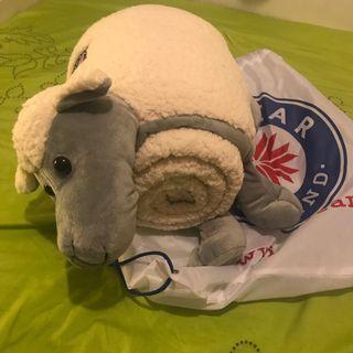 購自冰島 全新羊形枕+被