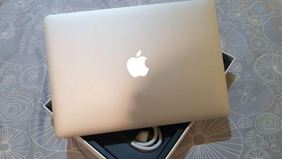 🚚 2015 Macbook Pro Retina 13吋 8G/256G 無維修 機身全新無傷 功能正常
