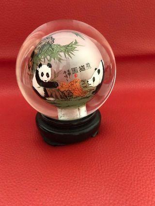 🚚 Panda Crystal Ball