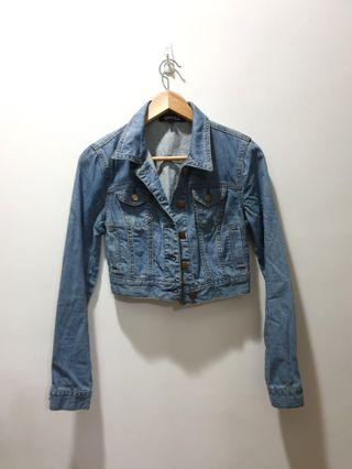 F21 cropped denim jacket (small)