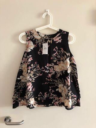 (Free Size) BNWT Black Flower Layer Top