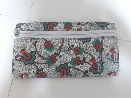 Cosmetic Pouch Giveaway