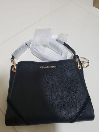🚚 MICHAEL KOR Sling Bag (black)