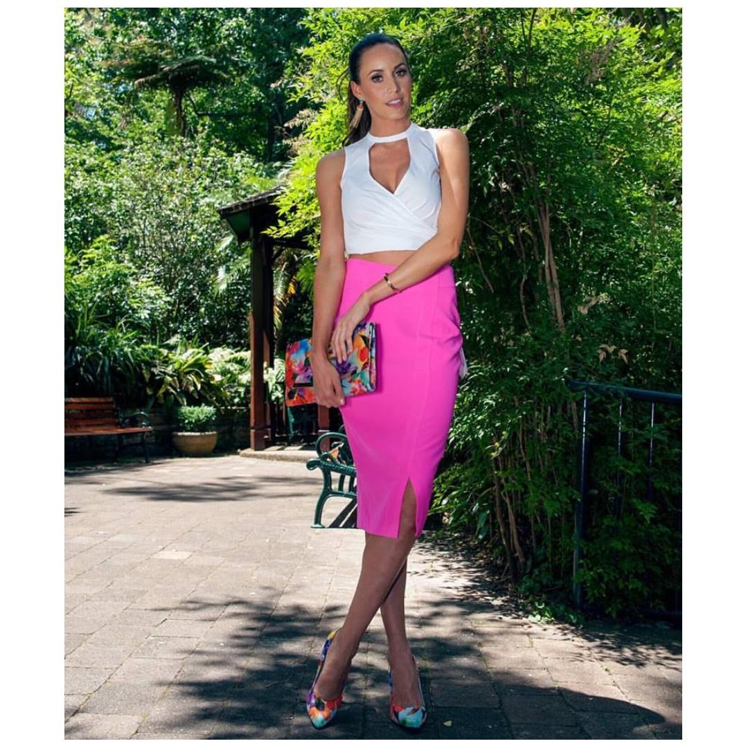 AFTERPAY AVAILABLE - COOPER ST BRIGHT FLURO PINK MIDI SKIRT 6 & 10