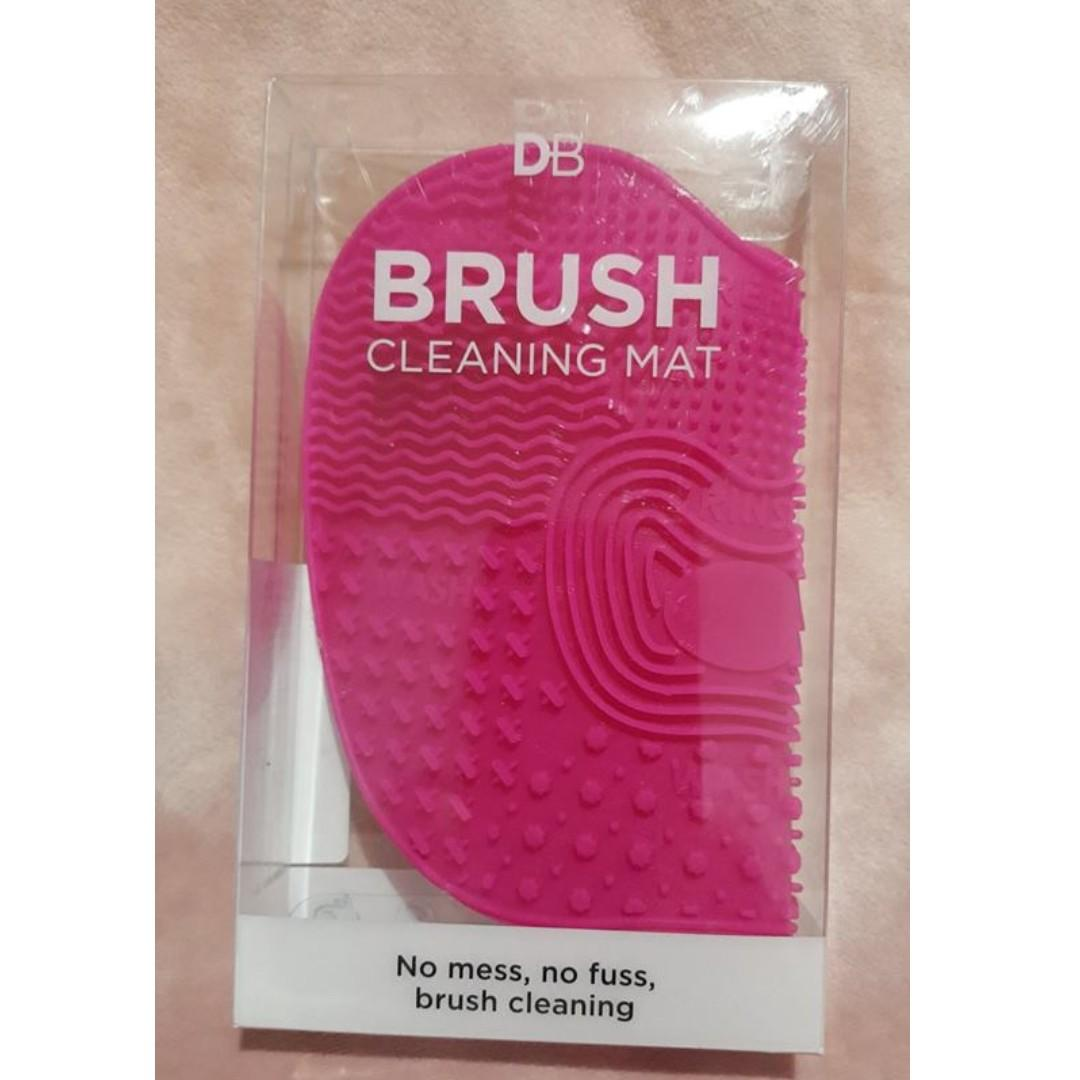 Designer Brands DB Brush Cleaning Mat PINK. Brand New & Authentic [PRICE IS FIRM, NO SWAPS]