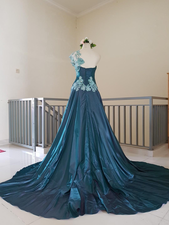 Evening dress / gaun pesta peacock
