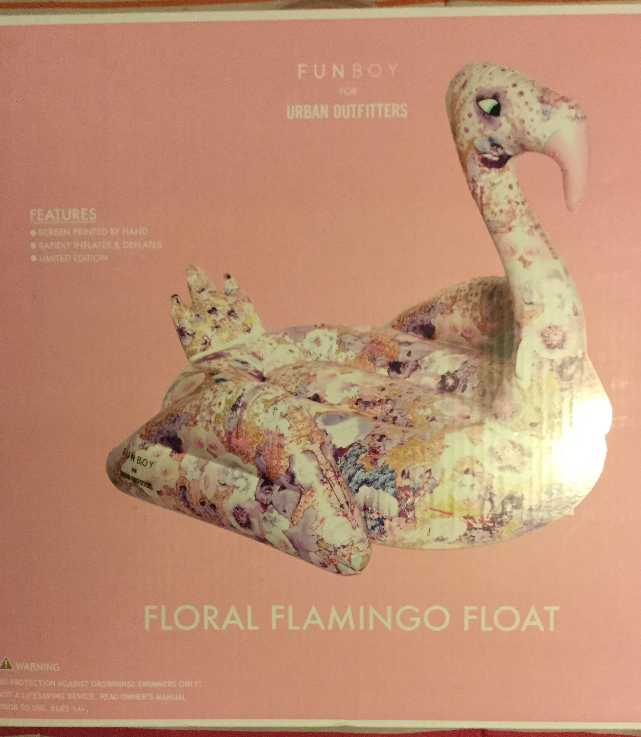 Fun Boy floral flamingo