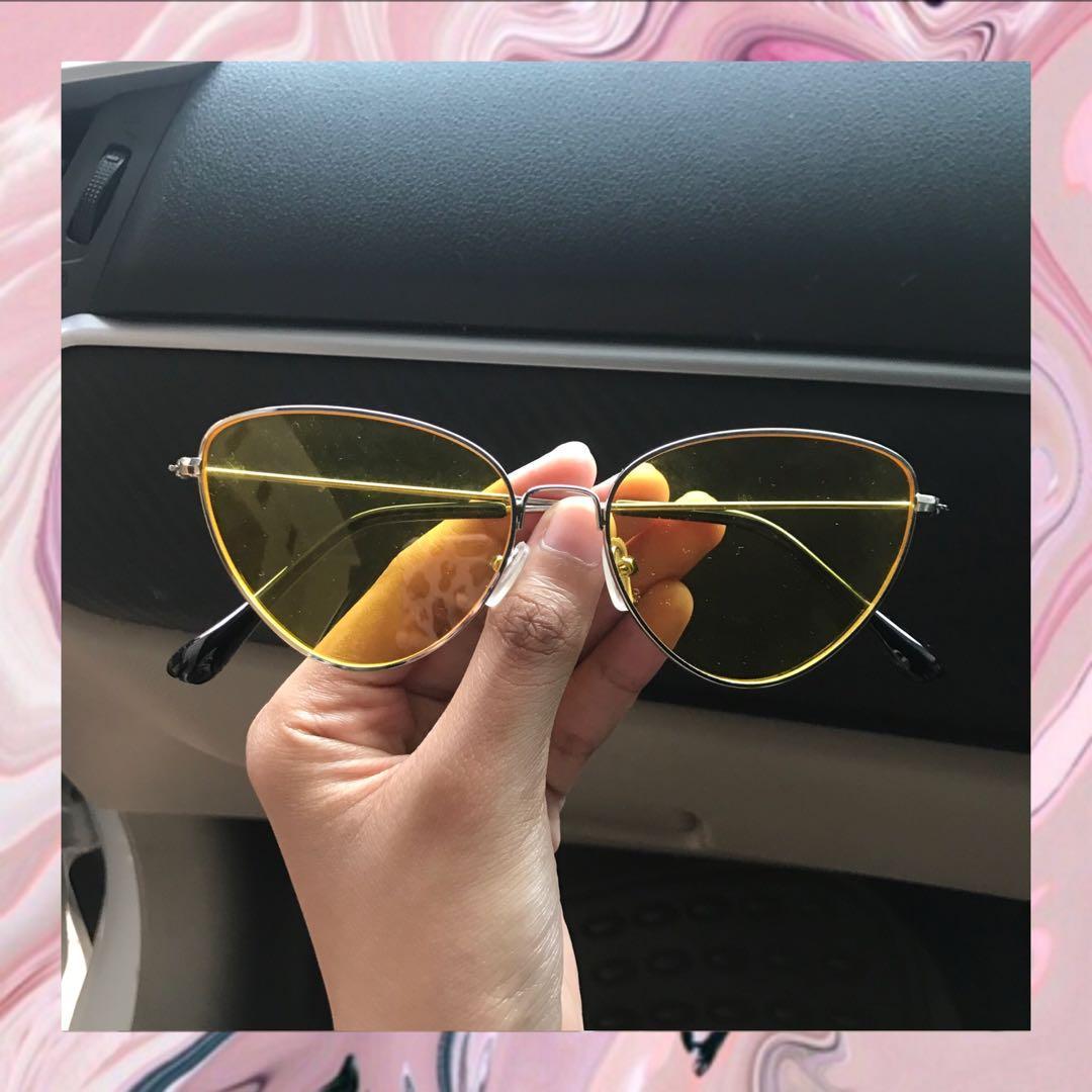 Kacamata Trendy Setengah Bingkai