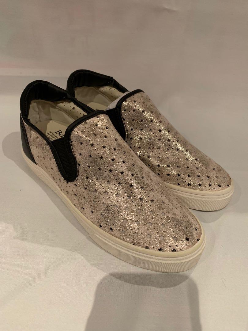 Korea slip on shoes inside heel leather star pattern