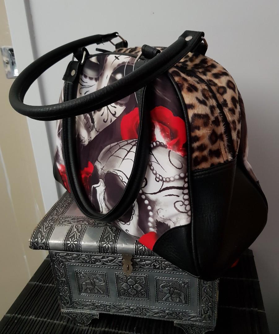 Ladies skull fux fir handbag