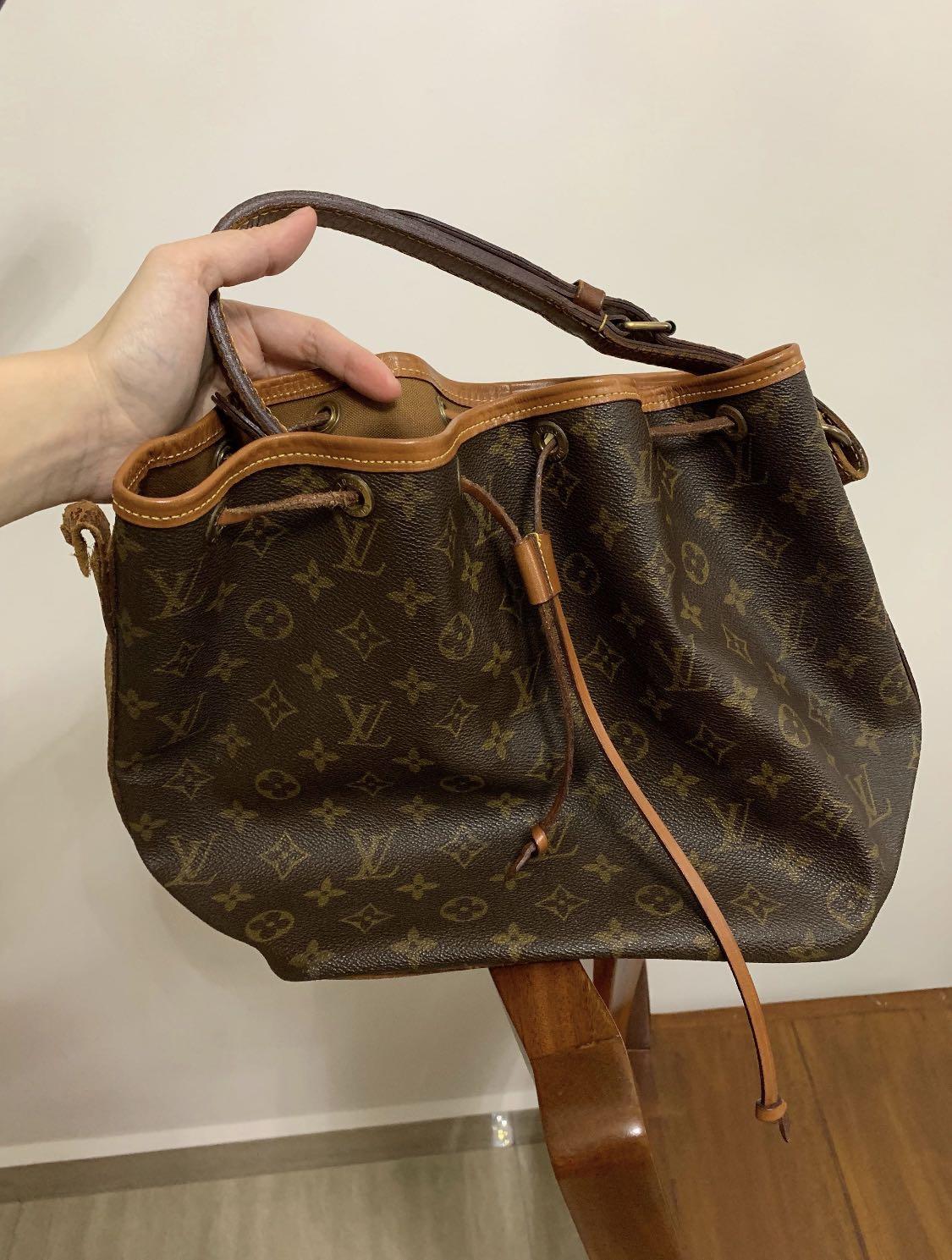 f3cb4d305dc8 Louis Vuitton LV Shoulder Bag