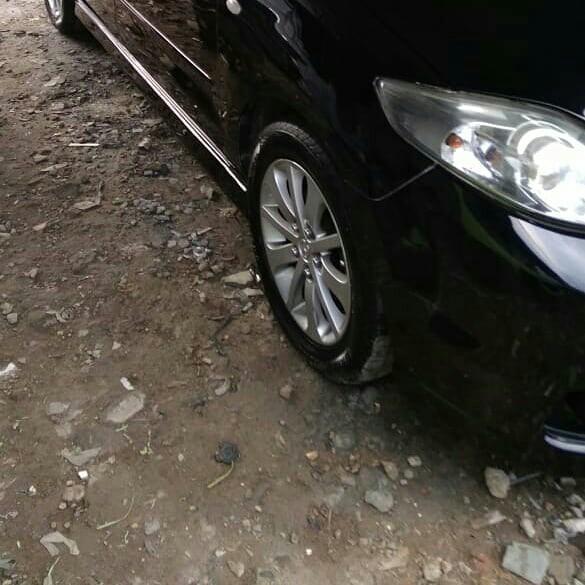Mazda 5 built up jepang..7seat mpv sunroof ,electric sliding door