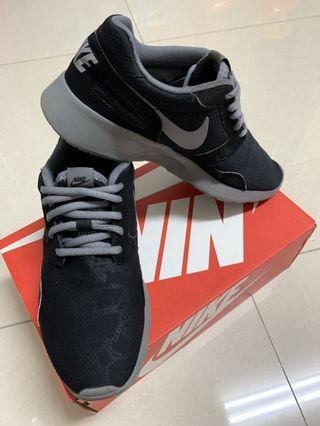 Nike Running 系列慢跑鞋