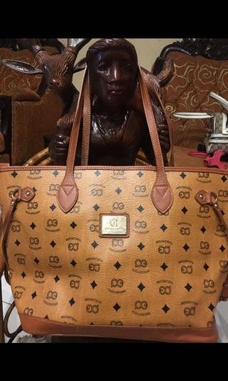 Preloved Paolo Gomes Tote Bag with zipper lock