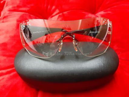 🚚 Salvatore Ferragamo 意大利品牌  時尚 眼鏡 鑽完整 鏡面無損傷(附鏡盒)