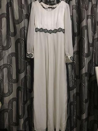 Long sleeve dress / jubah