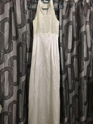 Dinner dress / sleeveless dress