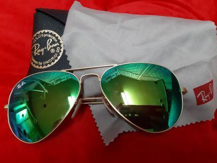 【RAYBAN】RB3025 112/19 58mm 霧金 綠水銀墨綠片 雷朋太陽眼鏡 雷朋經典--飛行員系列(AVIATOR), 率性與果斷的色系與線條, 引出您獨特的非凡氣魄!  水銀鏡片,反射隔離更多光線能量,保護眼睛,好看又舒適。