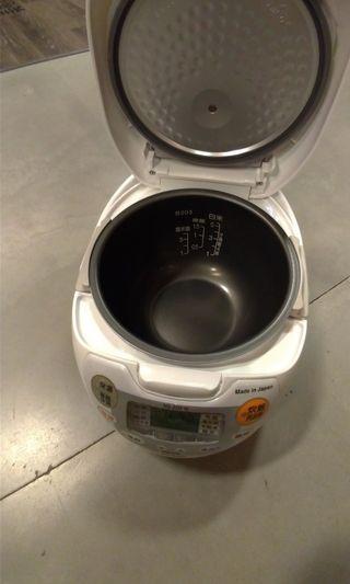 🚚 99.9新品 抽獎抽到翻出來賣 日本原裝象印微電腦黑金剛電子鍋(6)人份