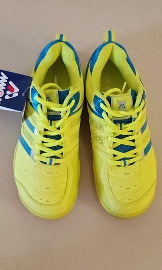 Badminton sport shoes