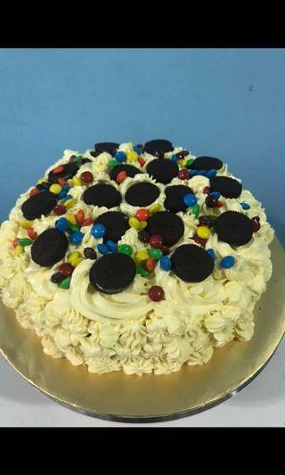 "8"" Oreo Birthday cake"