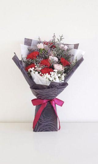 🌟Premium Red And Pink Carnation Bouquet