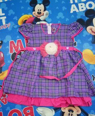Dress motif burberry ungu