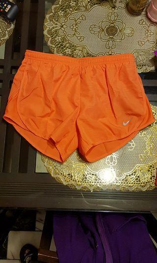 Nike 全新運動短褲 s