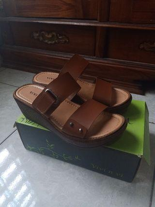 Sandal wedges size 40
