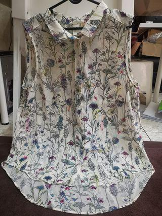 Preloved - H&M Floral blouse in cream