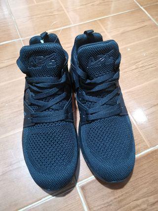 Lululemon - Triple Black Sneakers (BRAND NEW)