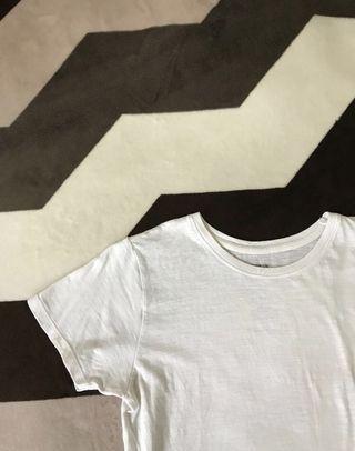 🚚 cotton on white top