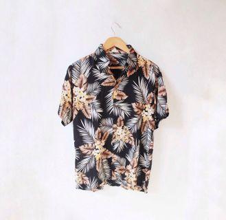 Kemeja Hawai