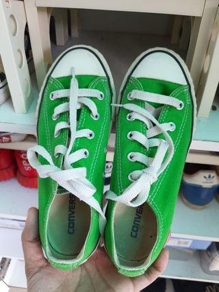 Converse Shoes kids us 13.5